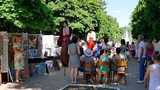 День города Изюм(Первая часть. Сегодня 13 июня 2015 в Изюме отмечается триста тридцать четвертая годовщина со дня основания..., 2015-06-13T17:08:12.000Z)