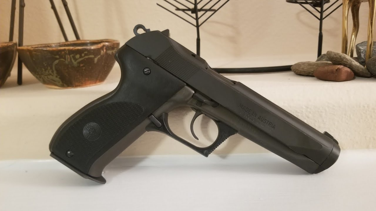 Steyr Gb The Pistol Of The Future From The 1970s Youtube