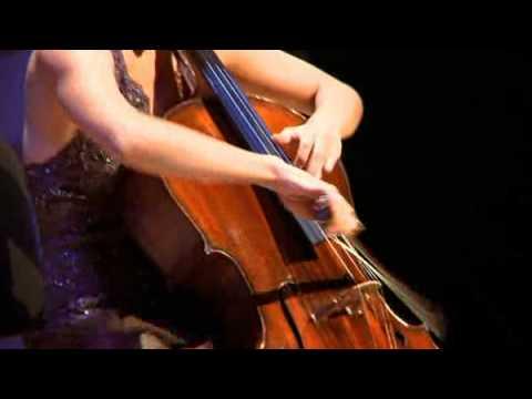 Chloé Dominguez, lauréate du Conseil des arts, interprète Cassado avec le violoncelle Gagliano 1824