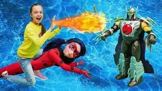 Леди Баг в подводном мире. Видео для детей: Охотники за игрушками