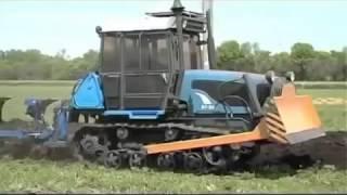 Трактор Агромаш 90ТГ в поле
