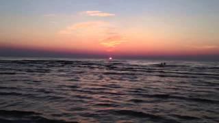 Закат солнца в Юрмале в самый длинный день.