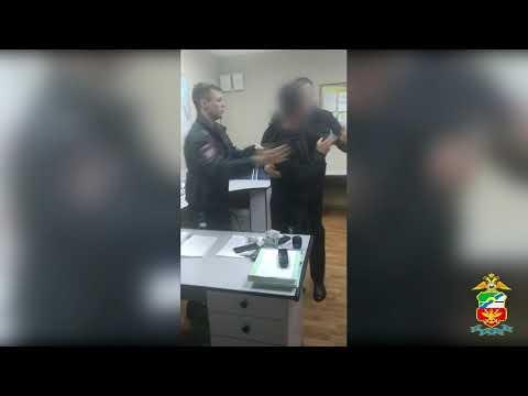 Житель Ростовской области устроил пьяный дебош в аэропорту Новосибирска