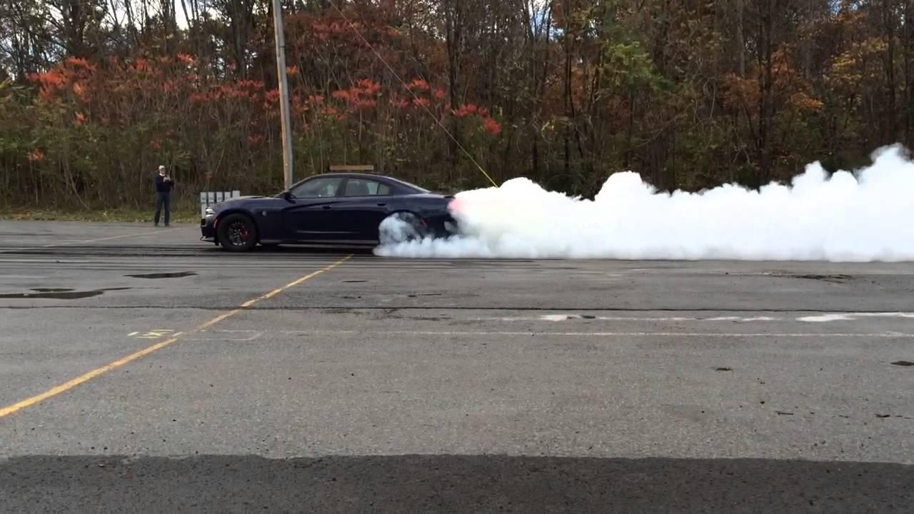 Dodge Charger Pursuit >> 2015 Dodge Charger SRT Hellcat Burnout Fun With 2015 Police Pursuit - YouTube