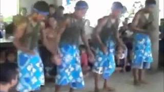 Kiribati Clapping Dance.wmv