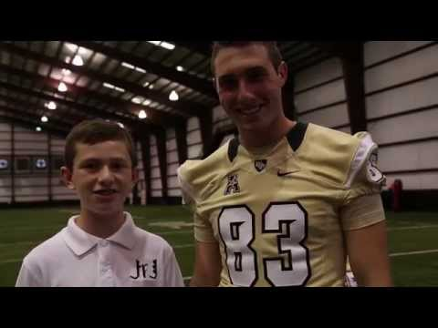 Jr. Journalist Chris Checchio interviews UCF kicker Shawn Moffitt