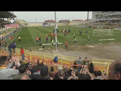 Catanzaro - Siracusa 1-0: i tifosi giallorossi nel DopoStadio