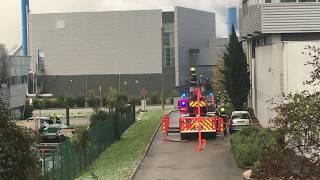 Les pompiers interviennent sur l'incendie dans l'entreprise Oscar Lab à Bernin