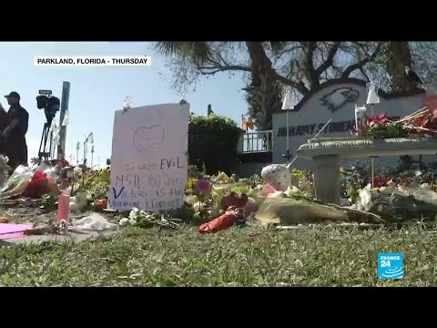 Parkland shooting: thousands pay tribute to students killed one year ago Mp3