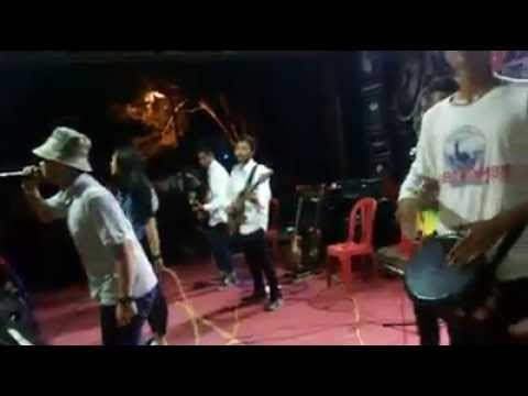 Bubble gum  - Akang haji cover lagu sunda #KALIBER2015