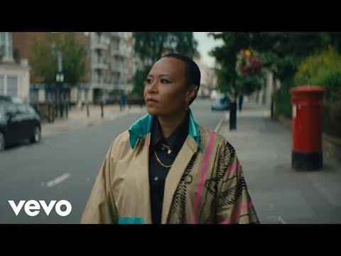 Смотреть клип Emeli Sandé - Family