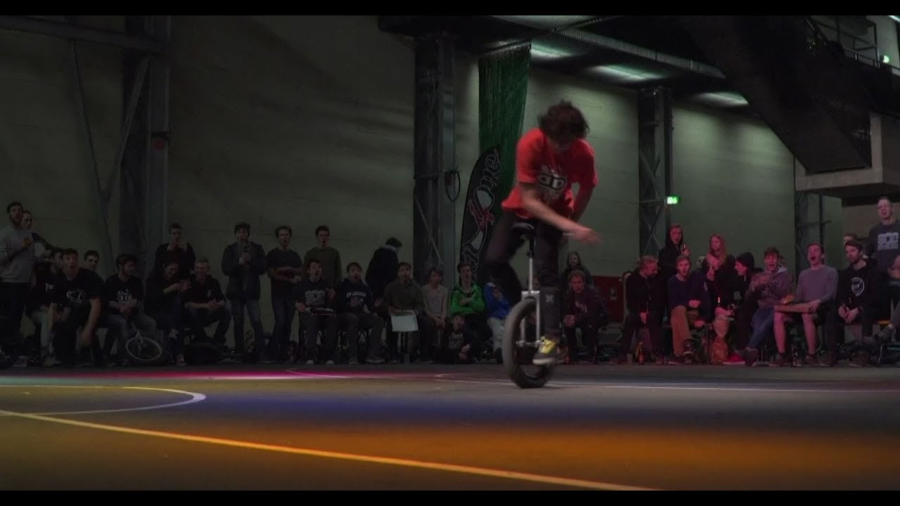 Daring urban unicyclists battle at Cologne championship