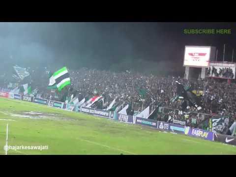 (HD) Ribuan Sleman Fans ngeChant