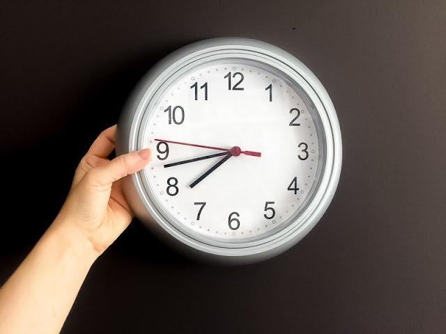Convertir un reloj de pared en inox con pintura spray
