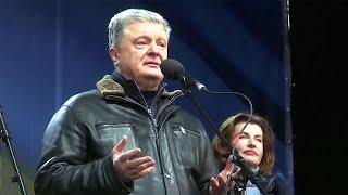 Разворот Порошенко: его подпись стоит под минским планом, но он громче всех его критикует.