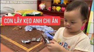 """Con gái rượu Khương Dừa mời """"chị Dâu"""" ăn kẹo, làm anh Hai mắc cỡ quá trời!!!"""