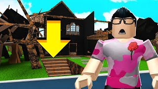Dieses Haus BURNED DOWN.. What es Under Will SCARE You.. (Roblox)