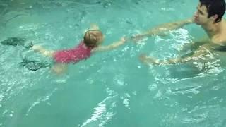 Вике 1,2 года-Обучение плаванию в бассейне в Минске для детей (Курсы,Секция,занятия)