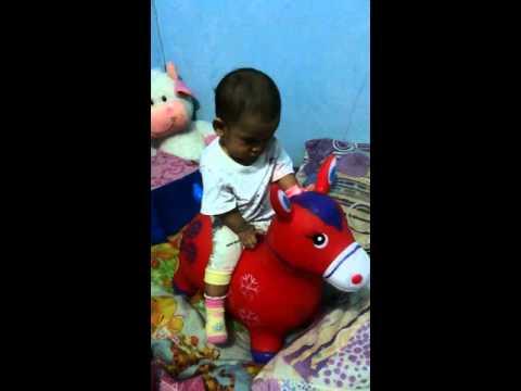 Rachel naik kuda (tuk tik tak tik tuk)