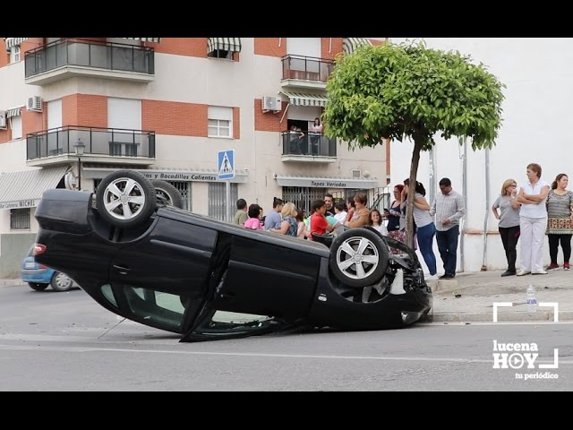 VÍDEO: Las imágenes del accidente de esta tarde en la zona del Valle, en el que ha resultado herido el conductor de este coche
