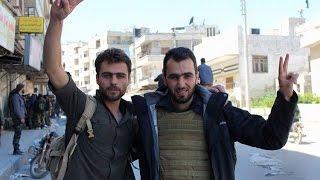 وفاة المصور الصحفي السوري خالد العيسى متأثراً بجراحه
