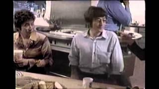 2000年ごろの日清カップヌードルのCMです。ジョン・レノンさん、オノ・...