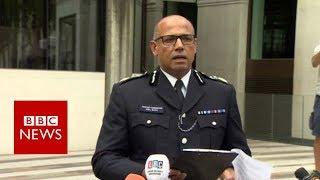 Westminster car crash: Man arrested on suspicion of terror offences  - BBC News