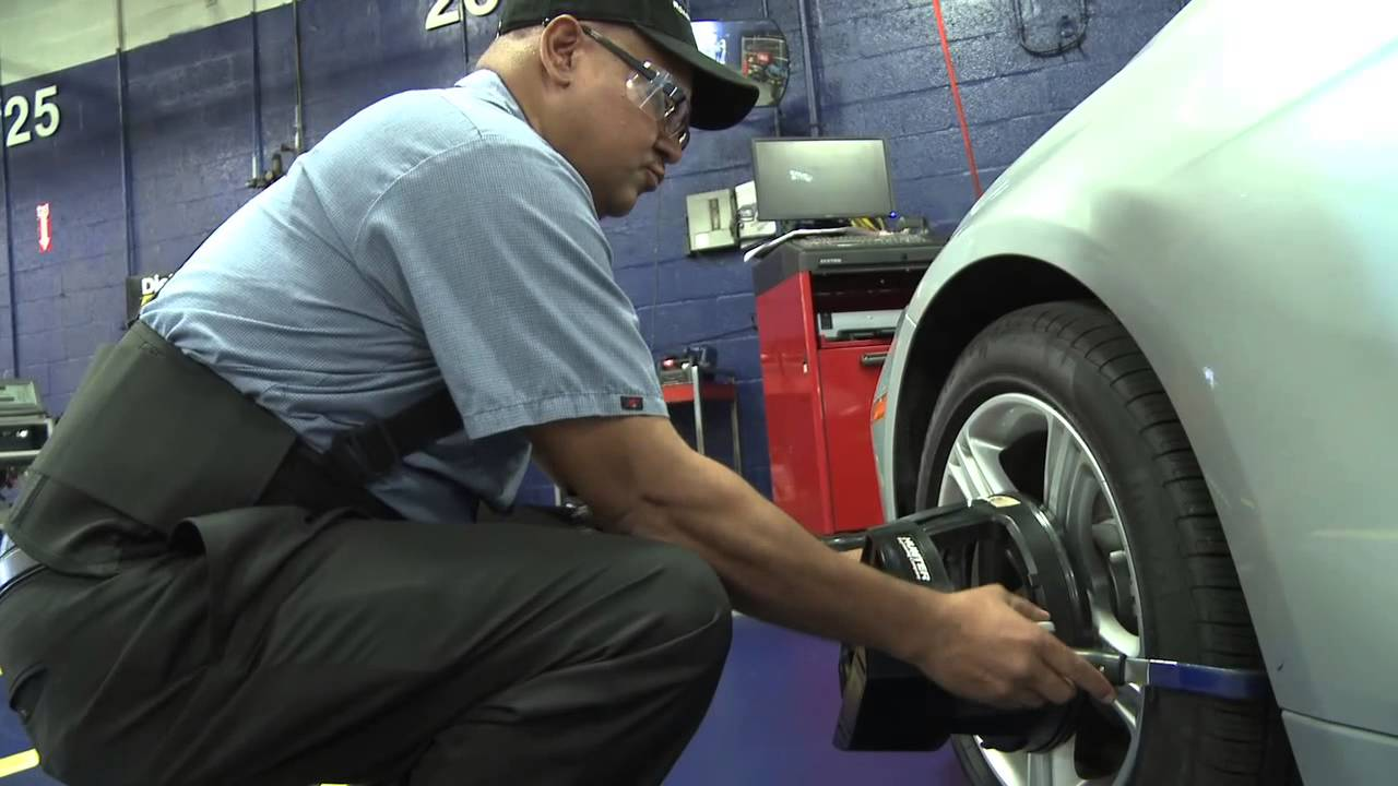 Sears Auto Center Brings Back RoadHandler Tires with Cris Carter