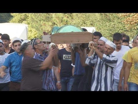 В Крыму простились с 4 молодыми крымскими татарами, погибшими в ДТП