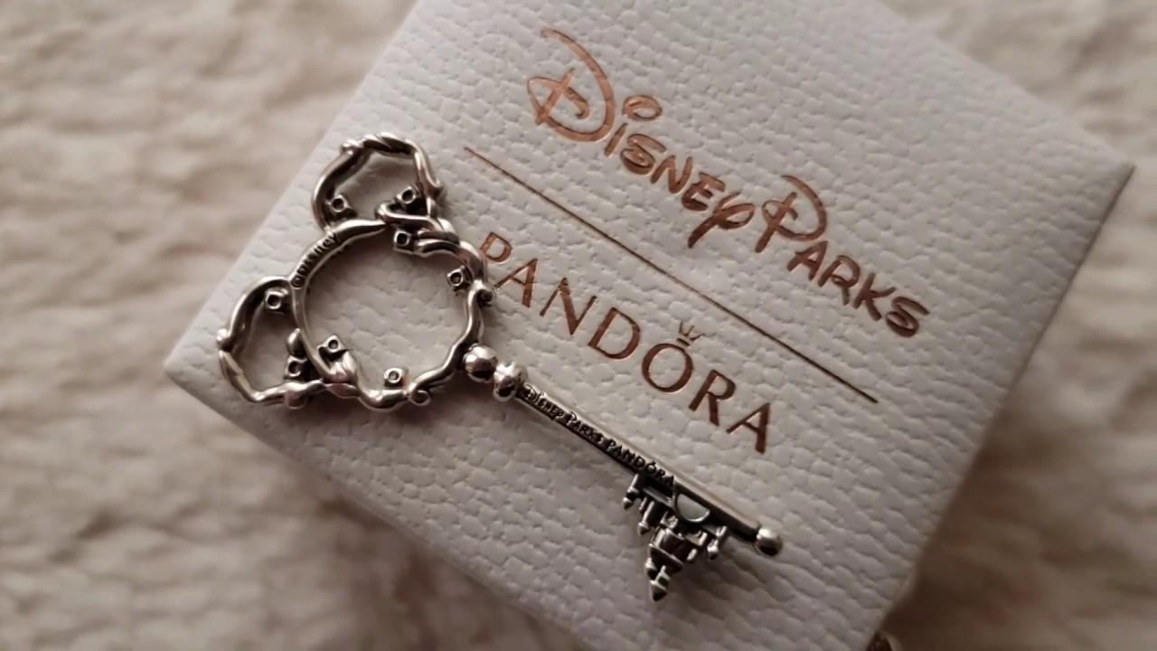 Pandora Review: Disney Park Exclusive Mickey Mouse Key Necklace