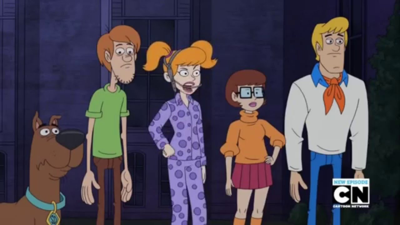 Daphne S Slumber Party Hijinks Be Cool Scooby Doo