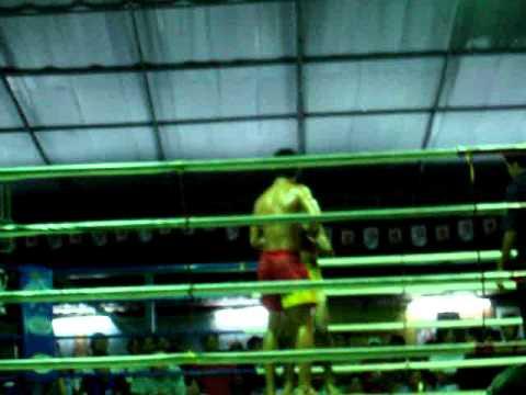 UNDERGROUND Muay Thai Kick boxing Match in KohPhangan, Thailand
