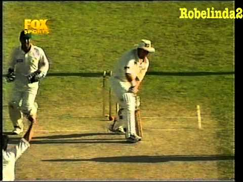 Shahid Afridi humiliates Australia 5/52 ON TEST DEBUT 1998 3RD TEST