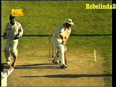 Shahid Afridi humiliates Australia 5/52 ON TEST DEBUT 1998 3RD TEST