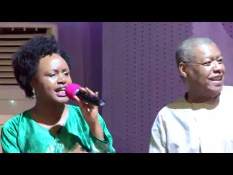 DR RON KENOLY & WIFE PERFORMS LIVE ON STAGE ON HIS 73RD BIRTHDAY IN LAGOS