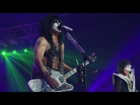 Kiss rocks Vegas Tears Are Falling