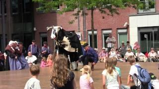 Mie Katoen Tilburg in Barneveld  Oud Veluwse Markt 07-2015  trailer