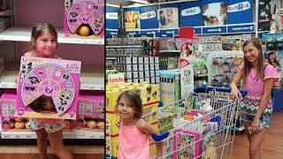 """LOL Surprise  Lil Sisters Unboxing + Toys""""R""""Us München"""