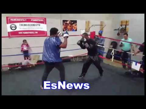 Crazy Hand Speed - Gary Russell Jr Working Out EsNews Boxing