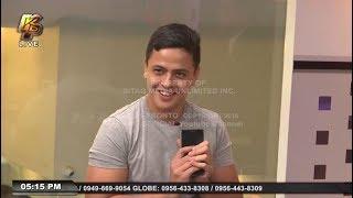 Half-Pinoy, naiwan ang cellphone sa taxi!
