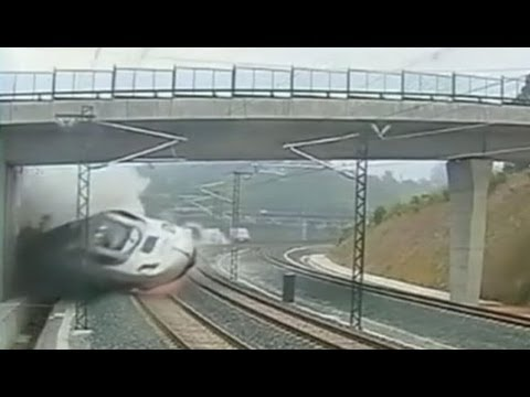 Spain Train Derailment Video 2013: Shocking Crash Kills At Least 77, Caught on Tape