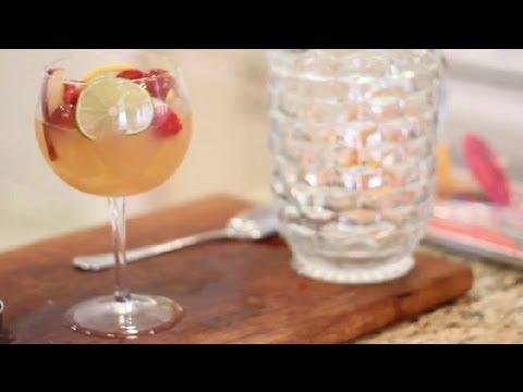 How to Make Non-Alcoholic Berry Sangria :...