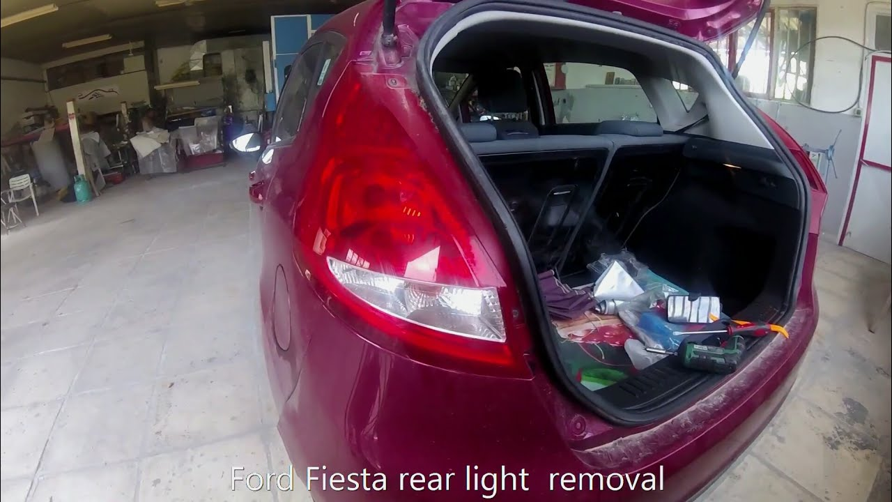 Ford Fiesta   How To Replace Rear Tai Light