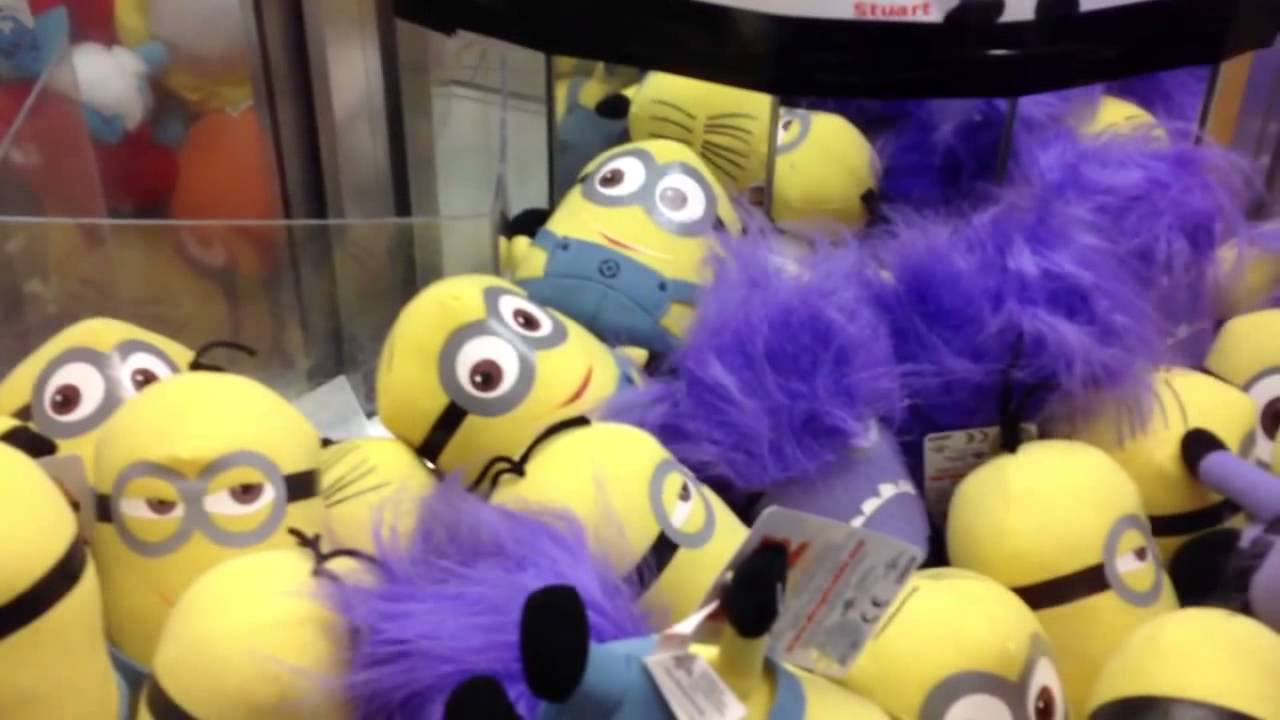 Cool Claw Machine Wins Cubs Alien And Evil Minion From Despicable