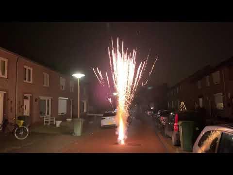 Overlast van vuurwerk valt tot nu toe mee (deel 2) from YouTube · Duration:  2 minutes 28 seconds