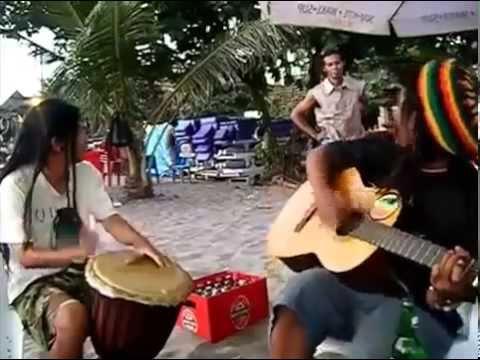 Pengamen pantai asyik lagunya #di sayidan#