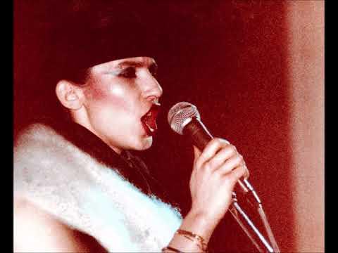 Gina X Performance ''Nice Mover''