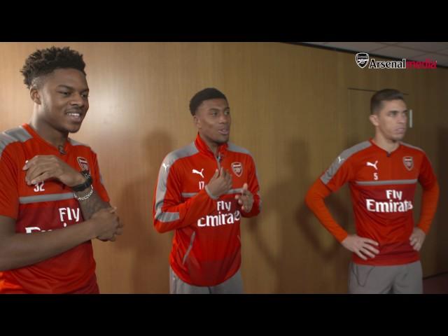 Мустафи се шегува со неговите колеги од Арсенал