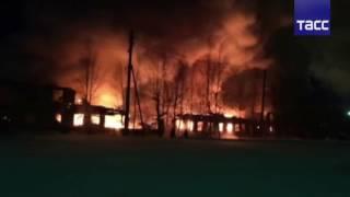 Пожар в Нефтеюганске уничтожил 32 квартирный дом