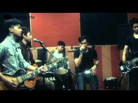 flannery - NOAH separuh aku (studio cover)